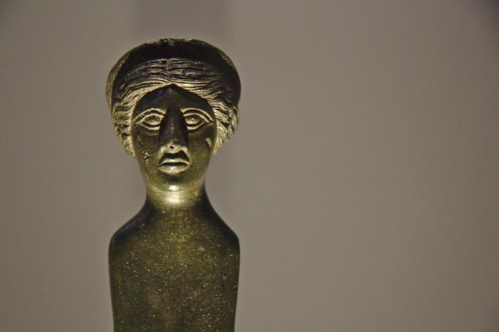 Statuette féminine (Aphrodite?), Étrurie, vers 250 avant J.-C.