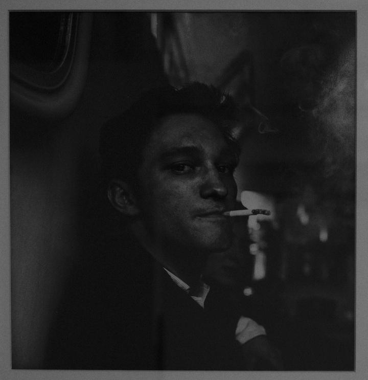 Don McCullin, Le jeune homme au café, 1958